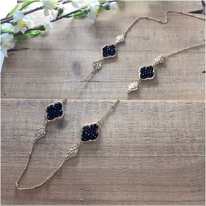 Black beaded clover necklace